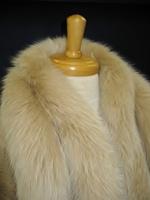 毛皮のコートのクリーニング